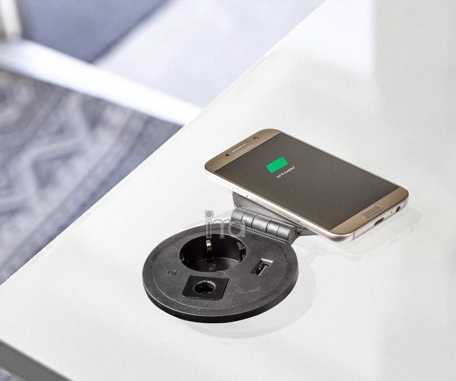 پریز توکار با قابلیت شارژ وایرلس تلفن همراه | ایما یراق