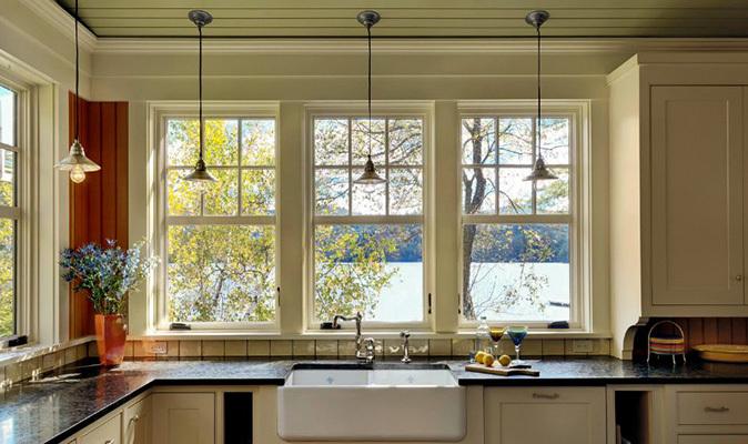 لزوم استفاده از پریز توکار در آشپزخانه های با پنجره